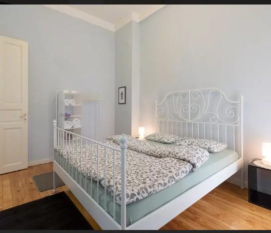 http://epidomi.gr/wp-content/uploads/2017/03/anakainisi-diamerisma-thessaloniki-airbnb-1-540x464.jpg