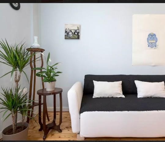 http://epidomi.gr/wp-content/uploads/2017/03/anakainisi-diamerisma-thessaloniki-airbnb-5-540x464.jpg